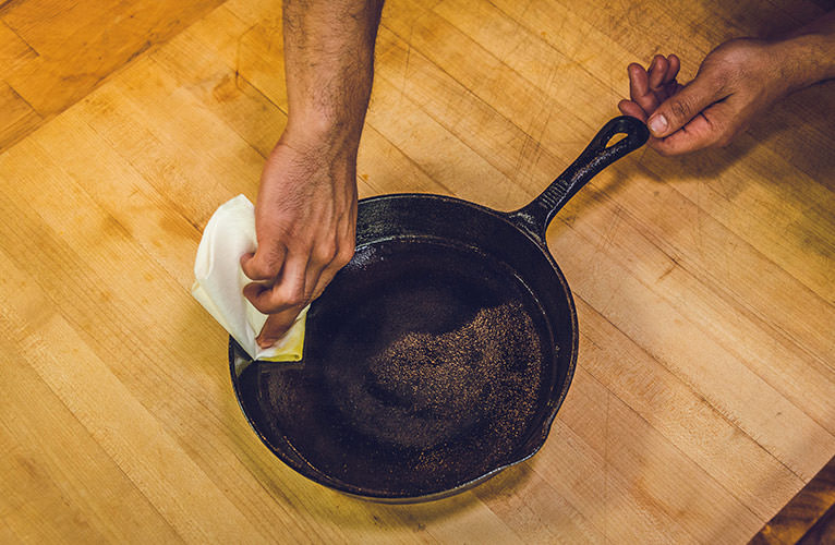 how to clean iron skillet grill