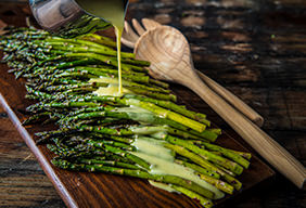 Grilled Asparagus and Hollandaise Sauce